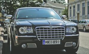 大型SUVと軽ワゴン、夏日の車内温度が上昇しやすいのはどっち?