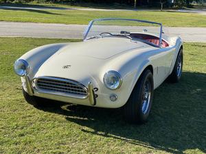 初のフルEV仕様「AC コブラ シリーズ 1 エレクトリック」、58台限定でデビュー