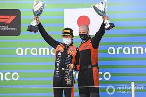 FIA F2バルセロナ:レース1|松下信治、18番手スタートから驚異の大逆転優勝! 角田裕毅も5位入賞