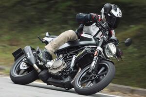 ハスクバーナ・モーターサイクルズ「スヴァルトピレン250」北欧ブランドが放つ250cc新型車は意外なほどに乗りやすい!?【試乗インプレ・車両解説】(2020年)