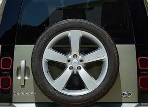 武骨の証を新車で買えるのはたった5車種!! 希少価値のある背面タイヤ装着の現行モデル5選