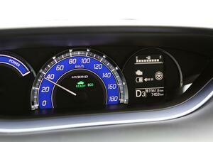 燃費以外の驚きメリットも! いまハイブリッド車や電気自動車以外にも続々採用の「回生ブレーキ」って何?