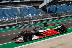 フォーミュラE:DTM王者レネ・ラストがアウディのマシンを初ドライブ「ベルリンでのレースが楽しみ」