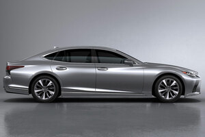 【キーマンが語る】レクサスLS改良新型 デザイン/内装/走り/運転支援「チームメイト」